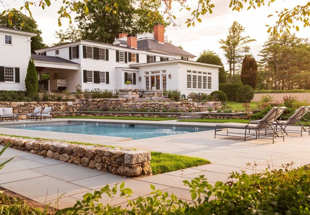 Cranberry Meadow Inn Exterior and Pool
